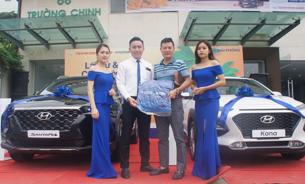 lái thử xe Hyundai