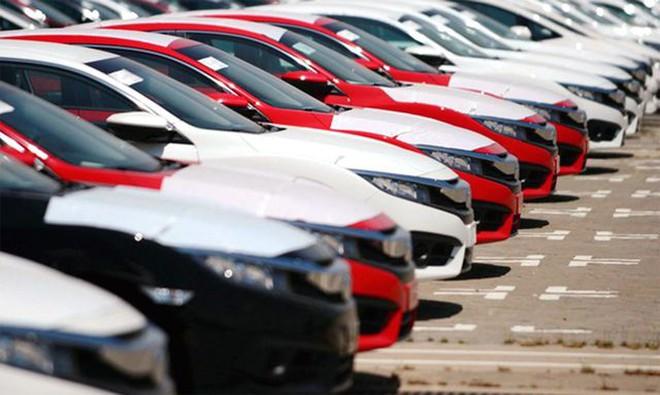 giá xe bình dân tăng mạnh