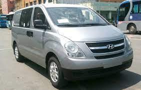 Hyundai Starex 6 chỗ bán tải model cũ nhìn từ trước