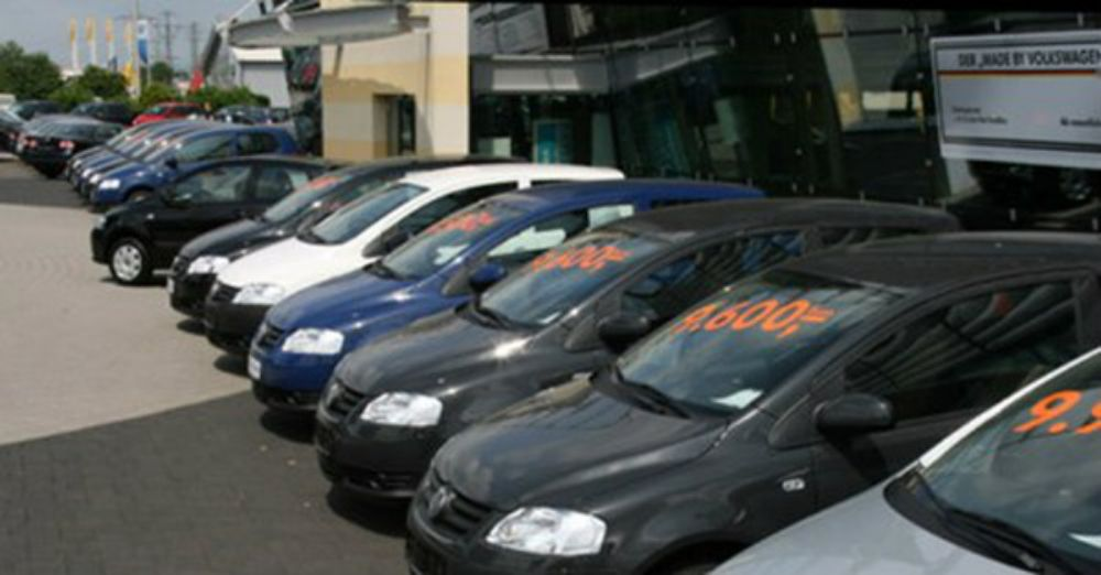 mua-xe-hoi-cu-gia-re-can-than-nham-taxi-thai-1