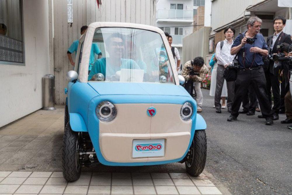 Xe ô tô làm từ chất liệu Vải