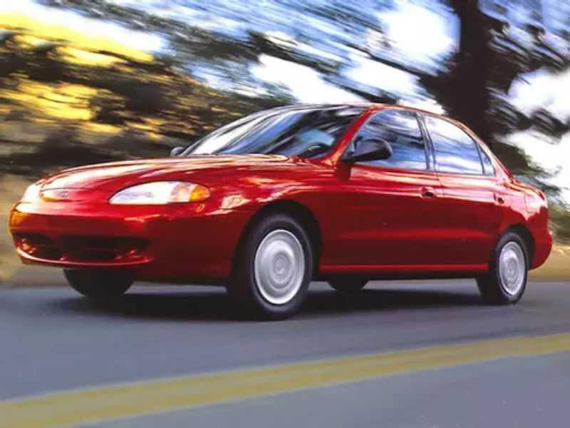 Sedan Hyundai Elantra GLS 1998