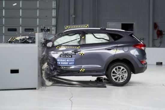 Hyundai Tucson 2016 đạt điểm số cao nhất trong bài kiểm tra về an toàn